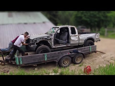 Abandoned Tacoma To Capable Crawler in 10 Minutes – Full Build Time Lapse