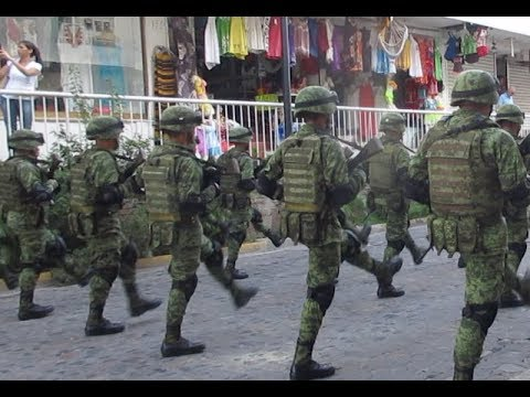 DON'T MESS WITH THE MEXICAN MILITARY (Mexican Independence Day) // Life in Puerto Vallarta Vlog