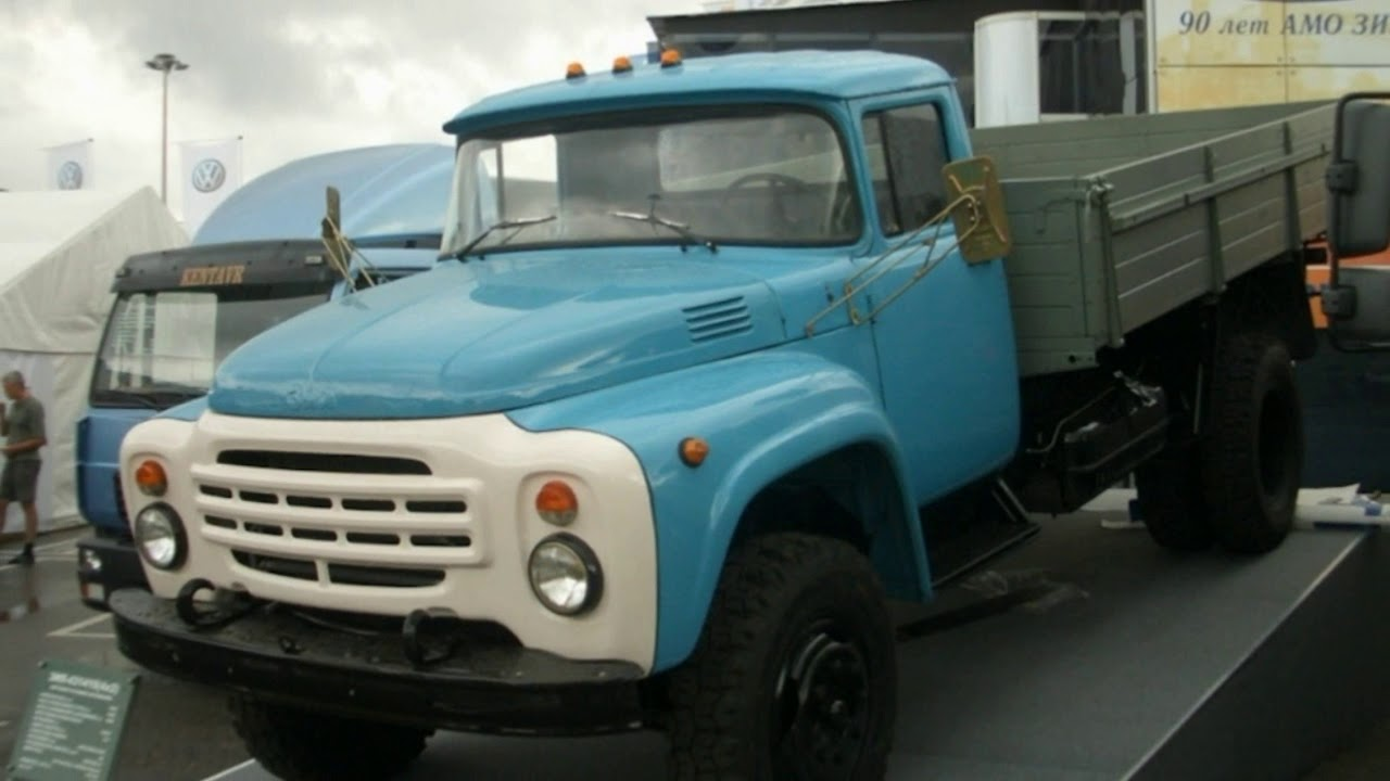 Почему ЗИЛ-130 почти всегда был голубым?
