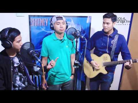 SALMON Trax FM : RAN - Dekat Di Hati