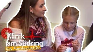 Kleiner Sparfuchs? Wieso stellt Carmen (7) immer den Strom aus? | Die Familienhelfer | SAT.1