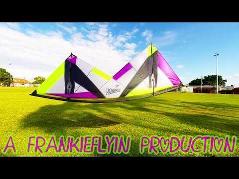 Revolution Reflex XX kite flying Urban Oval (Dancing Frankie)