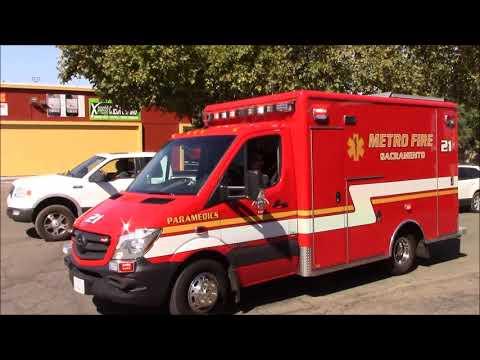 Sacramento Metro Fire District Engine & Medic 21 Responding Code 3 (x2)