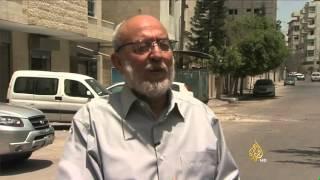 احتجاجات على قرار تجميد حسابات مؤسسات خيرية بغزة