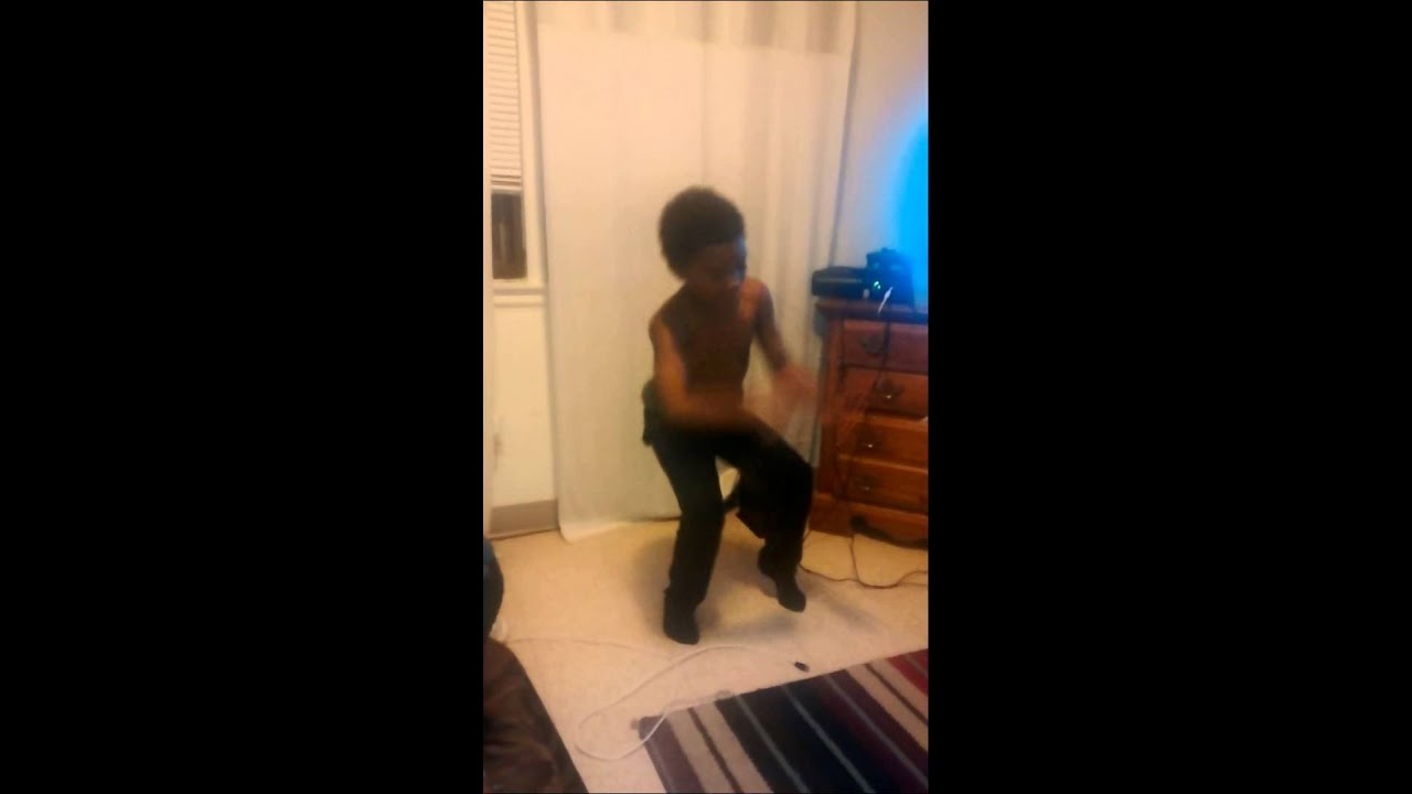 Youtube Boys In Makeup: Little Boy Dancing At Home