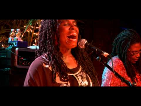 Ruthie Foster - Phenomenal (Live at Antone's)