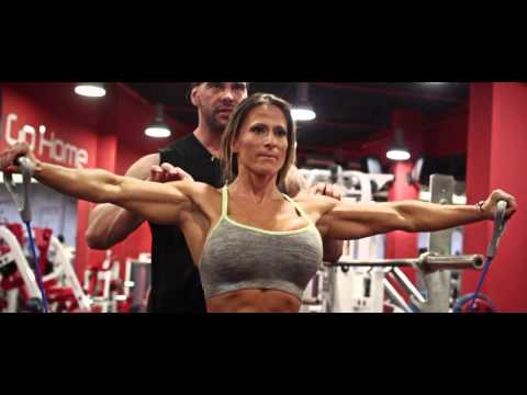 Maria Garcia IFBBPRO 8 weeks Out - Oct 2014 - Shoulders workout by Sergio Fernandez