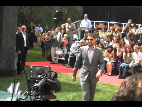 Gerard Butler Arrives To 'How To Train Your Dragon 3-D' Premiere