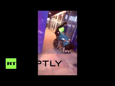 Spain: Police throw Moroccan woman from wheelchair, leaving her on ground