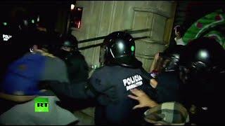 В Барселоне митинг в поддержку референдума о независимости Каталонии закончился стычкой с полицией