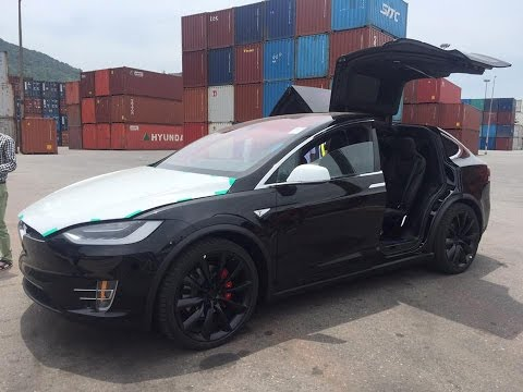First Ludicrous Tesla Model X P100D arrives in Vietnam