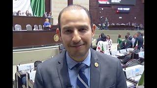 El diputado del PAN, Marko Cortés Mendoza, felicita a EL UNIVERSAL