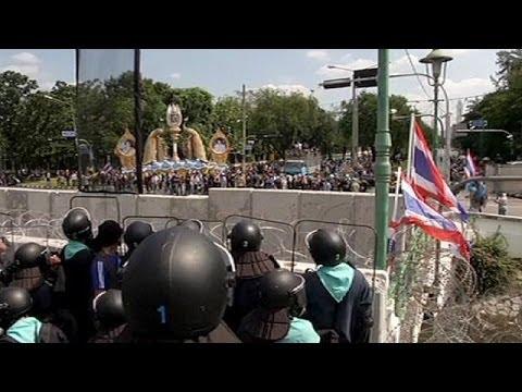 Thailand anti-government protesters seize state TV
