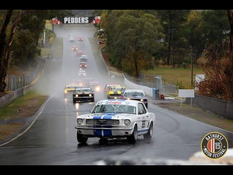 HISTORIC TOURING CARS - RACE 1 MT PANORAMA BATHURST 2015