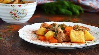 Картошка с мясом тушеная в кастрюле