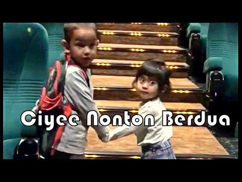 VANIA ATHABINA - Ciyee Vania & Lessa Nonton Bioskop