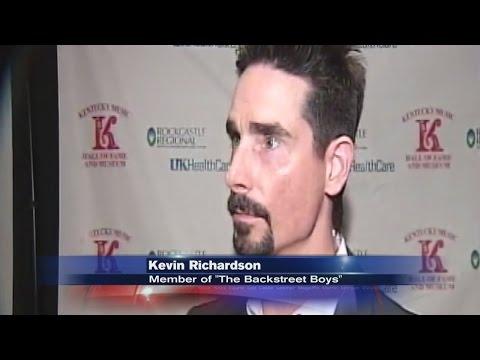 More than a dozen musicians join Kentucky Music Hall of Fame