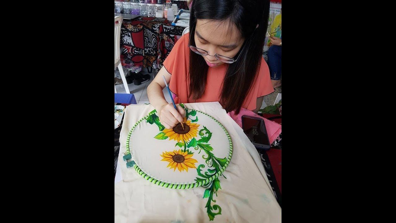 Dạy Vẽ Hoa Hướng Dương trên Vải áo dài – Facebook.com/dayveaodai