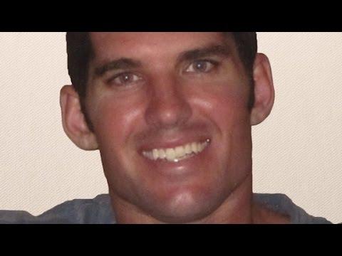 Fallen SEAL's dad slams White House