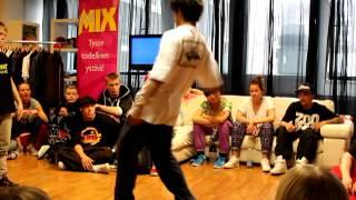 Hiphop 1vs1 quarterfinal Topi vs. Kardo part.1, bElles Tour 2012 finals