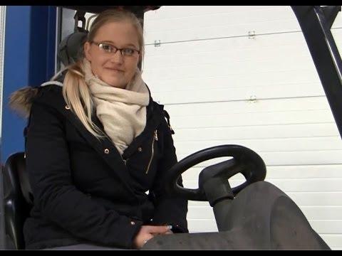 Staplerfahren - Frauen unter sich von YouTube · Dauer:  1 Minuten 59 Sekunden