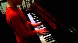 10 летний пацан классно играет клубняк на пиано(, 2014-12-22T12:21:54.000Z)