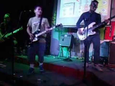 What it is to Burn - Yani with Sponge Cola (cover) @ 70's Bistro