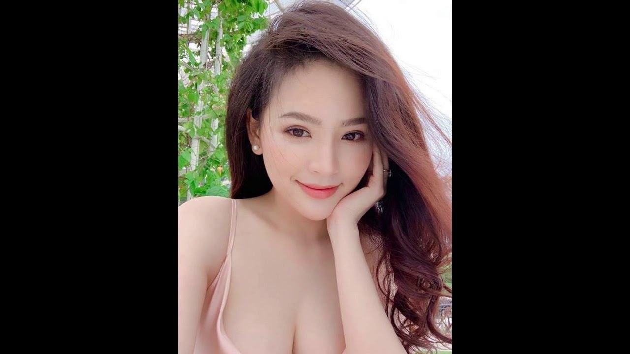 Lộ Clip ''NÓNG'' Hot girl PHI HUYỀN TRANG (AHIHI Đồ Ngốc)