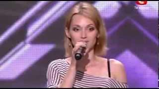 У девушки очень красивый голос, даже судьи засомневались