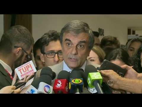 Defesa de Dilma entrega alegações finais