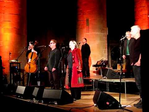 June Tabor & Oysterband - Bright Morning Star - Gloucester Cathedral 19.2.13  6/ mp3