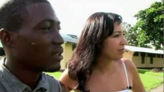 Massameeting in het Surinaamse binnenland Stoelmanseiland