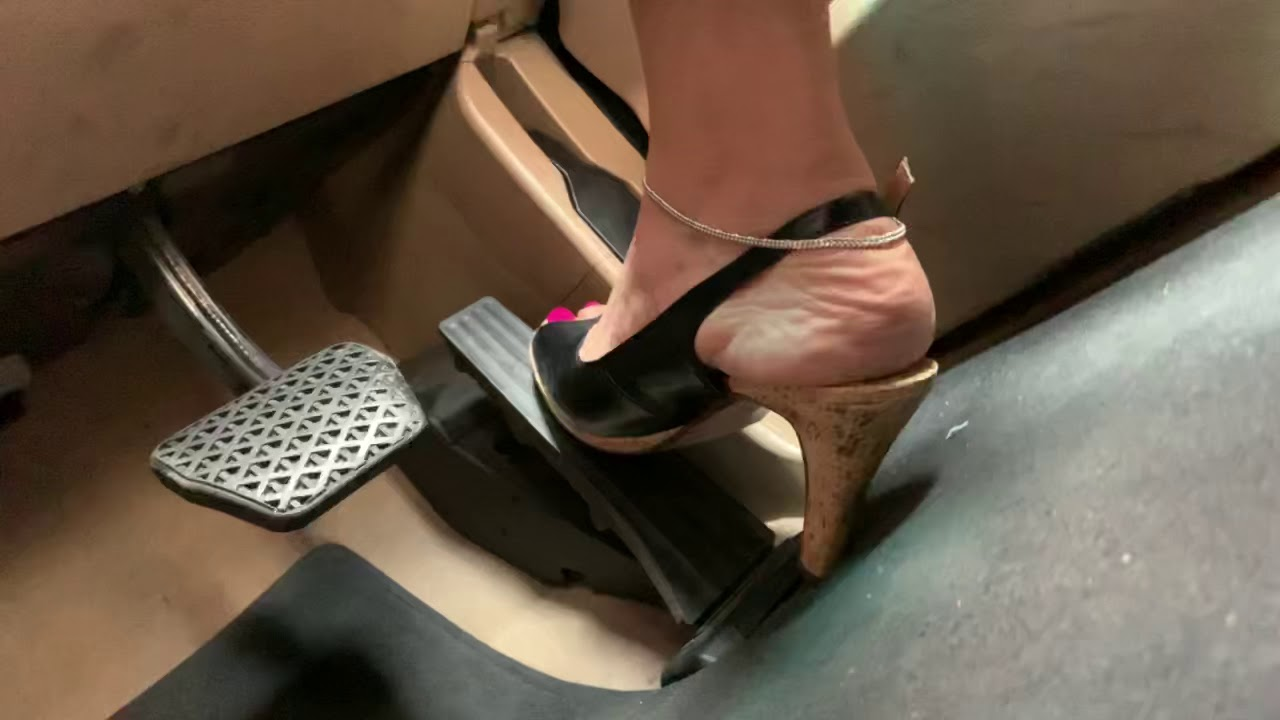 Sexy indian feet driving to work - Slingback & Rednails