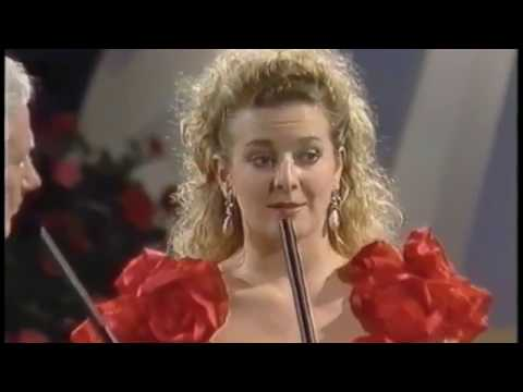 Gabby Logan  ( Gabrielle Yorath ) 'Rose of Tralee' Festival - 1991