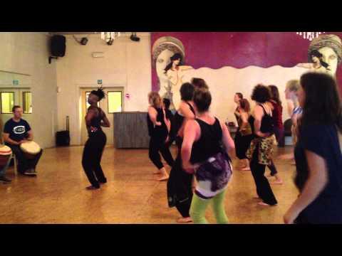 Dobet Gnahoré - Dance class @ Planeet Mars Gent by muziekclub N9 & Makurah
