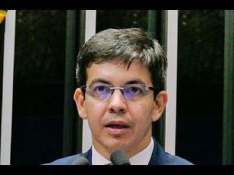 Randolfe Rodrigues questiona eficácia da reforma trabalhista ao falar do desemprego