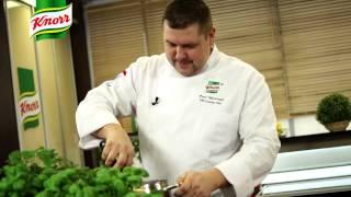 Przepis - Polędwiczka duszona z cebulą i musztardą (kulinarne przepisy Przepisy.pl)