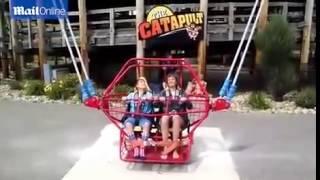 Horrifying moment slingshot ride cable...