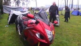 24 Heures moto : au camping, concours de pots sous la pluie