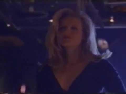 A Caçada (  Fled ) - VHSRIP - 1996  - 1ªDUBLAGEM -  Raro