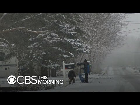 Arctic blast slams U.S., snow hammers states from Midwest to New England