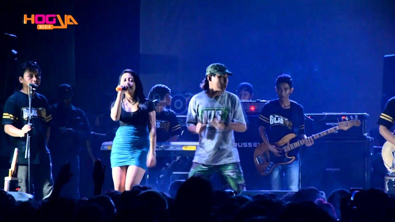 Ayu Yuliana - Layang Kangen [7th Anniversary Gilas OBB - XT Square ...