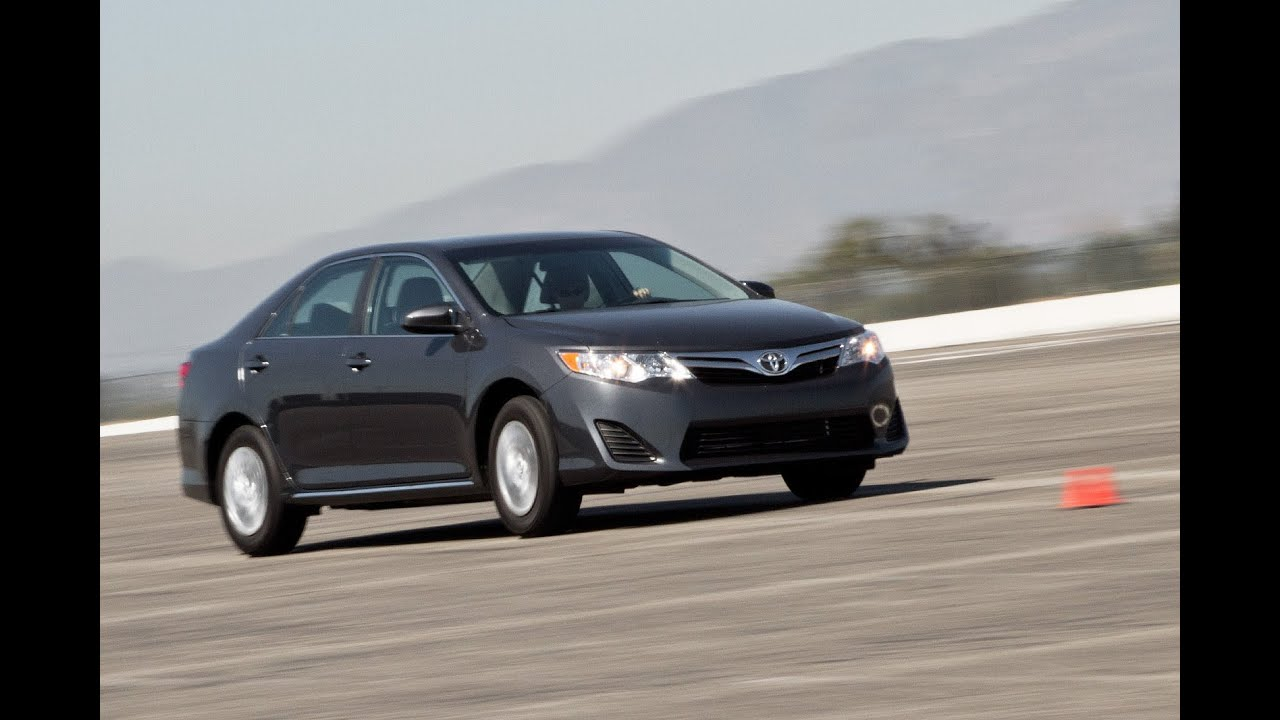 2017 Toyota Camry Le Track Test Video Edmunds