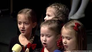 Пение «Белые снежинки» ─ группа детей