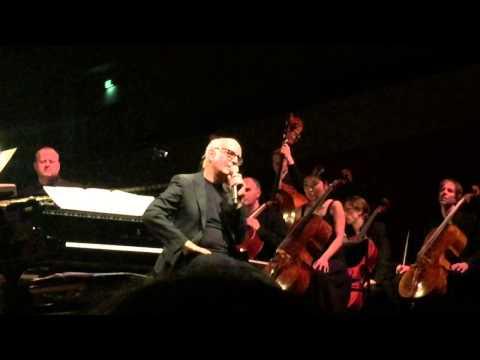 Ludovico Einaudi met Amsterdam Sinfonietta