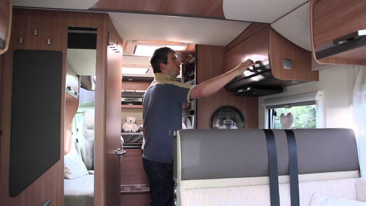 fernseher im wohnmobil platzsparend verbaut knaus sky. Black Bedroom Furniture Sets. Home Design Ideas
