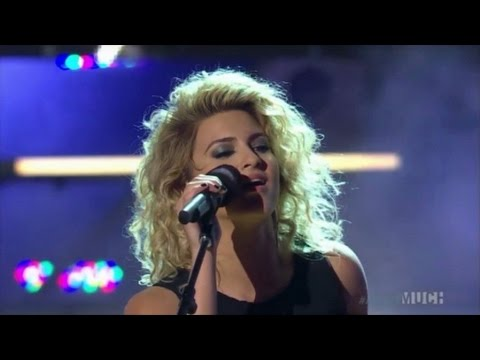 Tori Kelly - Nobody Love Live At The 2015 MMVAs