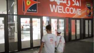 видео Парк Ferrari World в Абу-Даби и его тематические аттракционы, описание