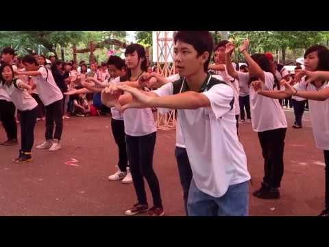 Nhảy Flash Mob *Quê Hương Việt Nam*- THPT Diên Hồng Q10