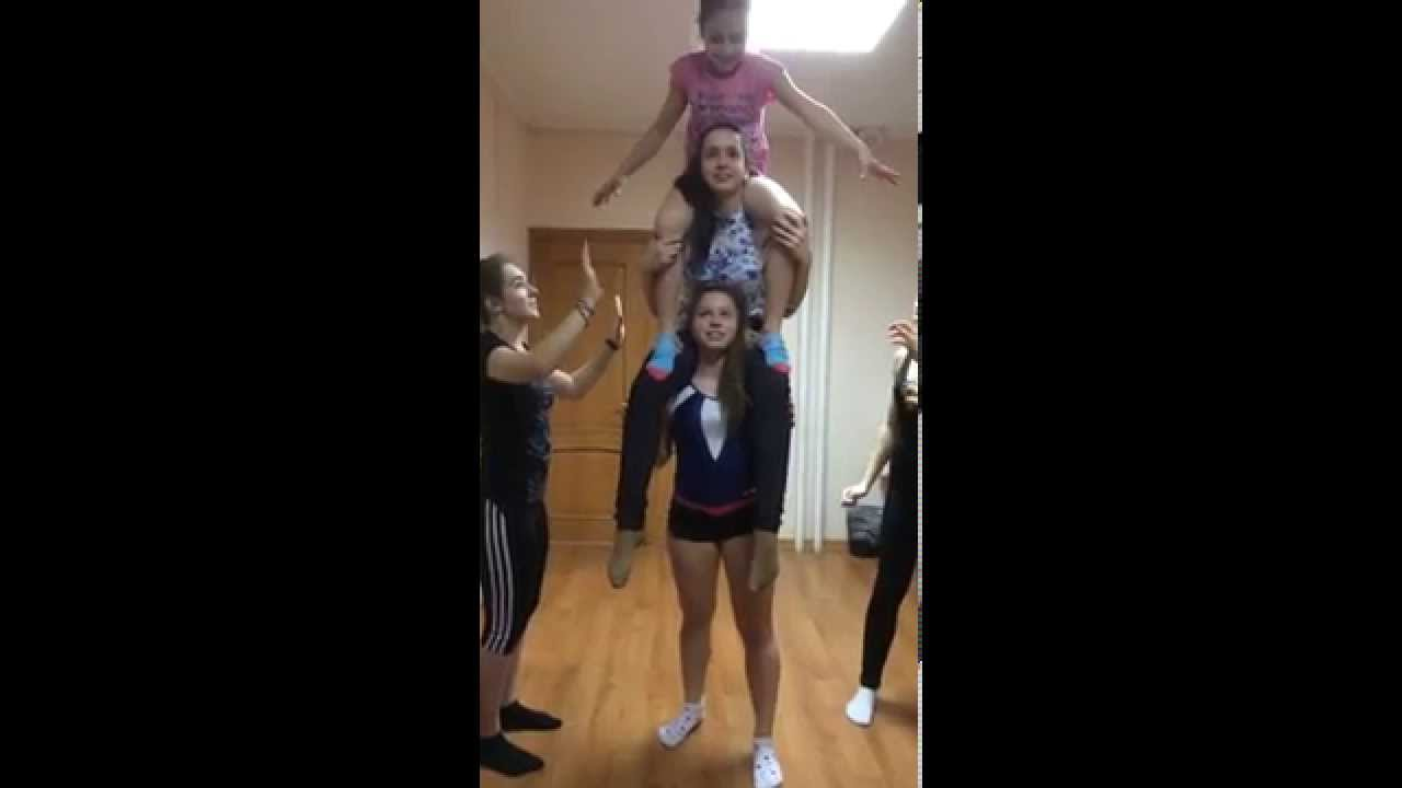 Very Beautiful And Strong Girl Lifts Youtube